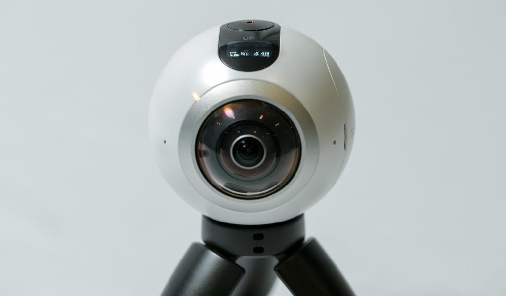 Go hands-on with the #Gear360 and see how it change how we capture our memories by Samsung Newsroom under CC license